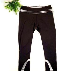 Lululemon cropped gym legging Black&White Sz 6